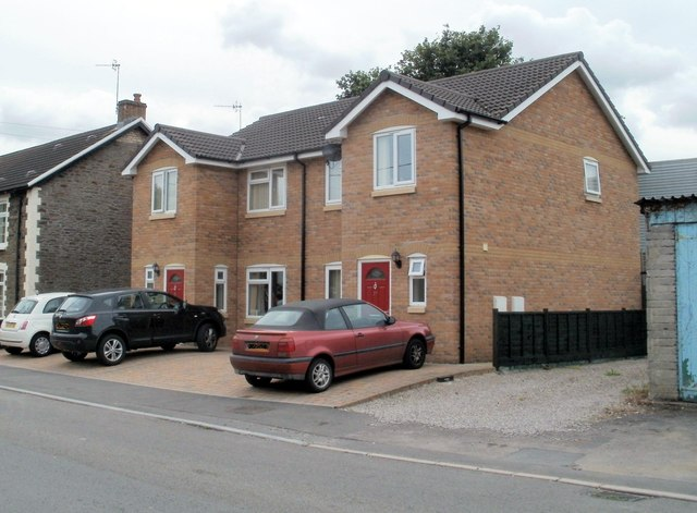 Newer houses, Pandy Road, Bedwas
