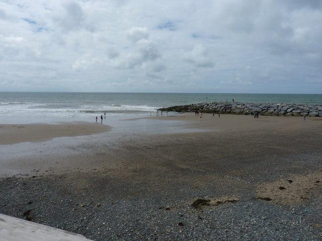 Tywyn beach with artificial 'reef'