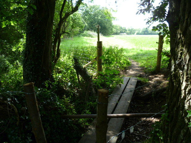 Footpath goes west to Perching Sands Farm