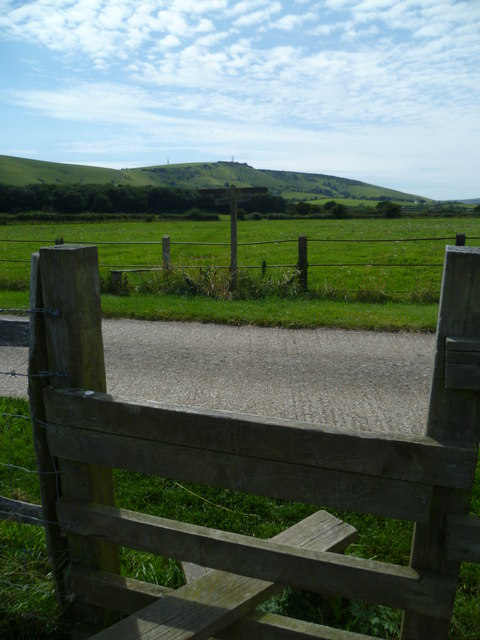 Crossing paths south of Perching Sands Farm