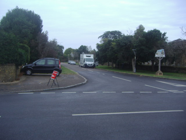 Junction of High Street and Park Avenue, Silsoe