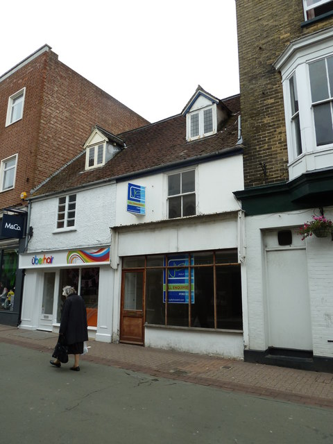 Shop to let in the High Street, Ryde