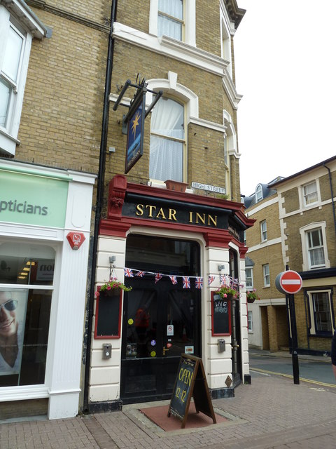 The Star at the junction of Star and High Streets