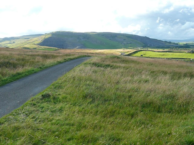 Lane over Swarth Moor, Stainforth
