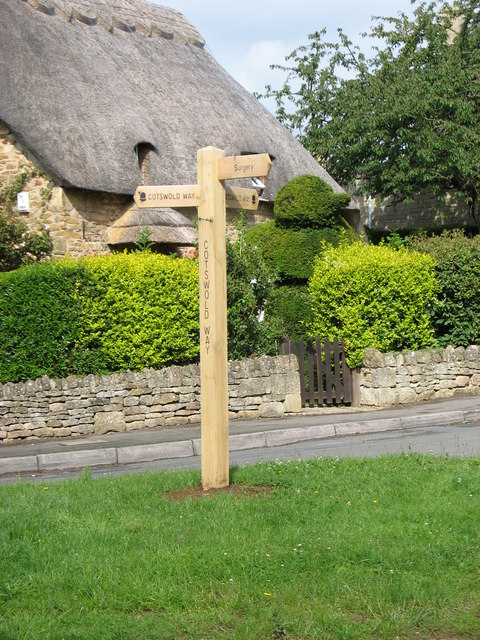 Fingerpost at the foot of Hoo Lane, Chipping Campden