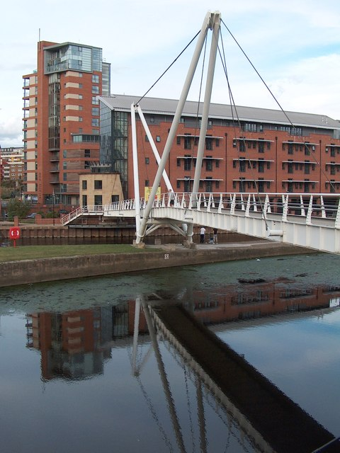 Knight's Way Bridge (2007) across the River Aire, Leeds