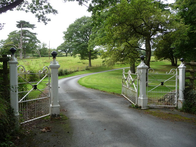 Handsome black and white gates