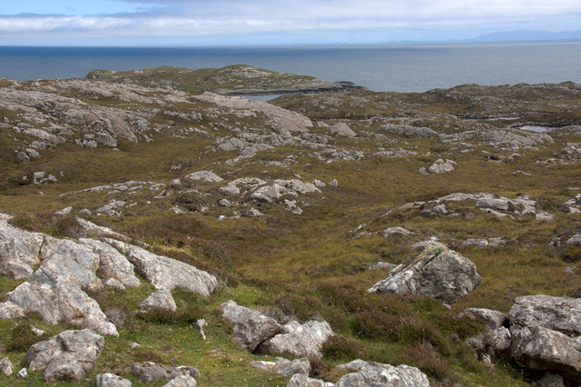 Rocky hillside and coastline south of Lingerbay (Lingreabhagh)