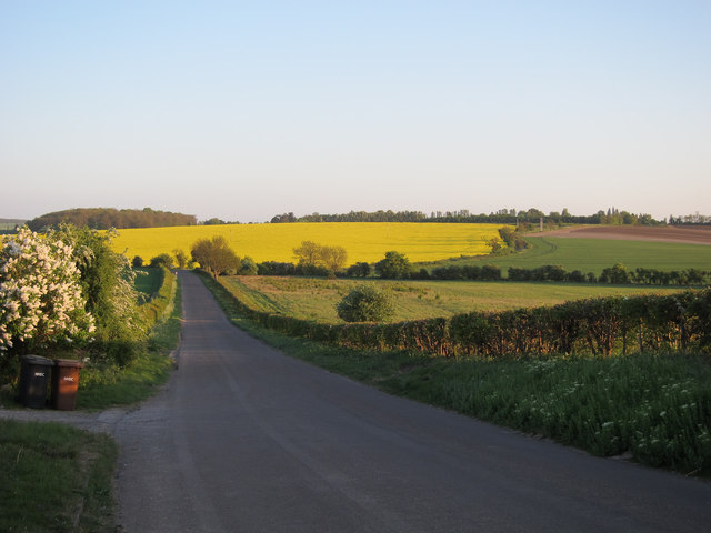 Ashwell Road past The Knoll