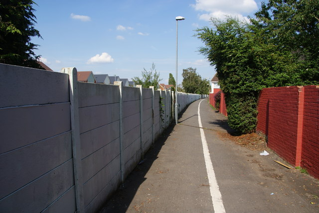 Path between housing estates near Epsom