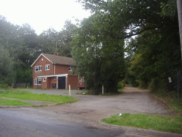 House on London Road, Slip End