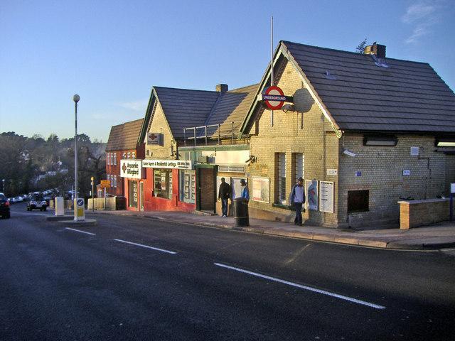 Totteridge and Whetstone underground station