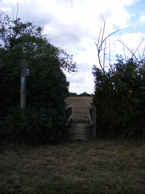 Footpath to Helmingham Road & Thomsons Lane