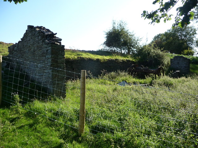 Ruined barn above the Clarach valley