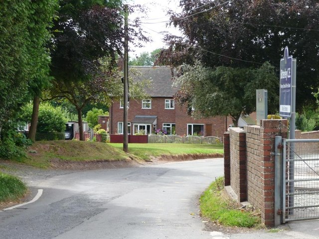 Houses at the entrance to Orchard Lea