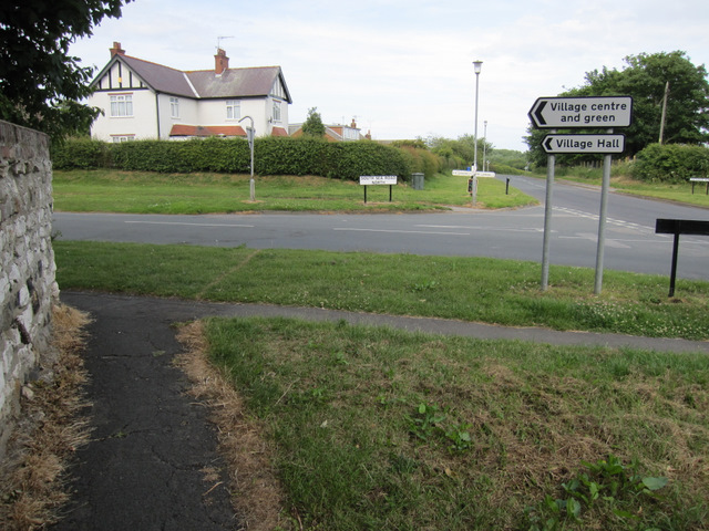 Junction of South Sea Road North and Lighthouse Road