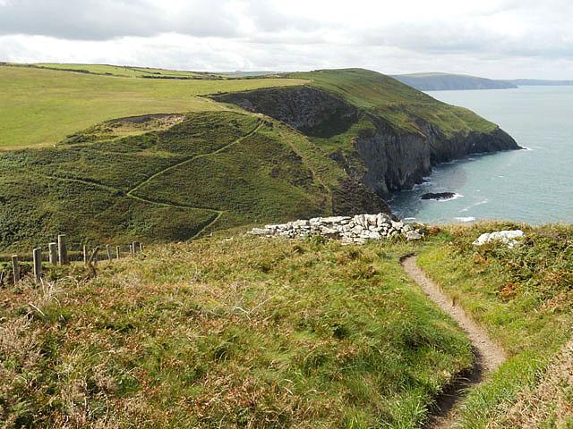 Pembroke Coastal Footpath above Gernos Valley