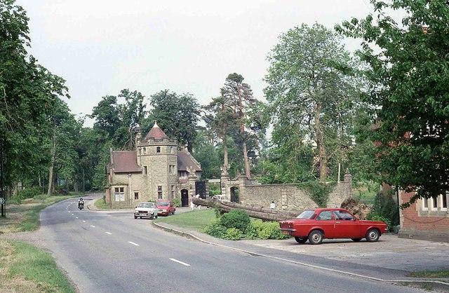 Paddockhurst Road