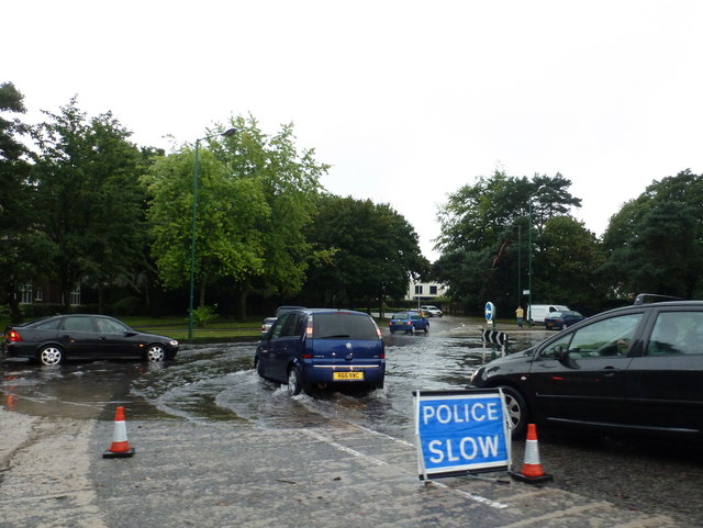 Talbot Woods: flooding on Talbot Avenue Roundabout