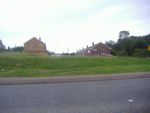 Houses on Sunningdale from Hitchin Road