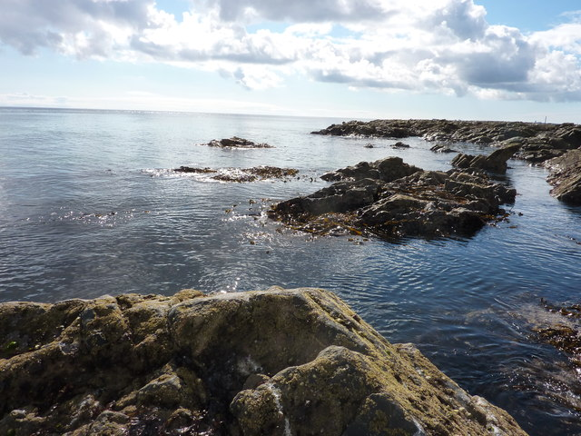 Scotstown Craig rocks at Scotstown Head