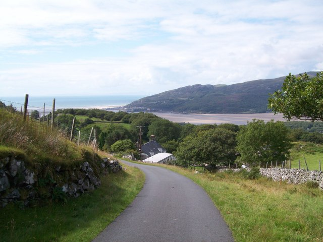 The steep road to Arthog at Cregennan