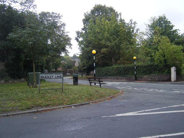 Bradley Lane/Fluin Lane junction