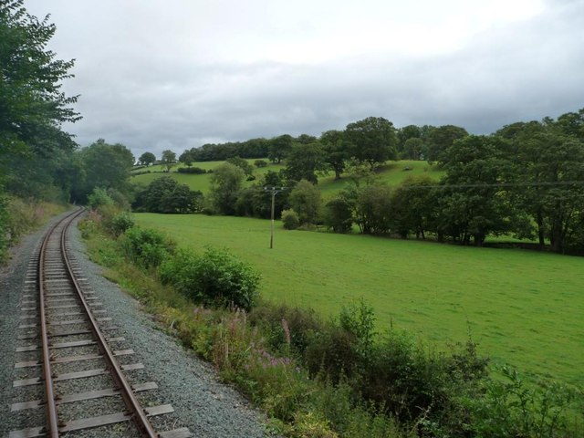 Track curving along the side of Nant-y-Caws valley