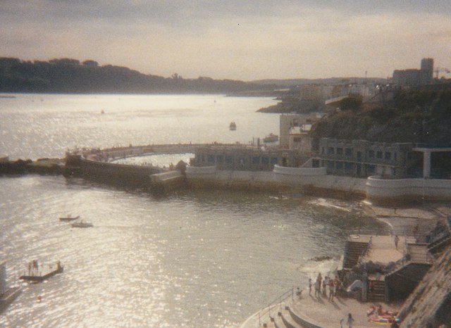 Tinside Lido Plymouth seen from Hoe Road in 1987