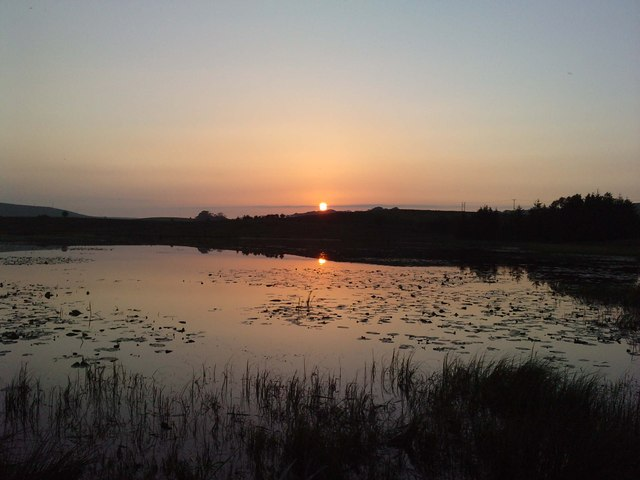 Early June sunset over Doe's Loch