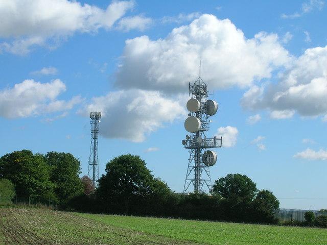 Communications masts, Stillingfleet Hill