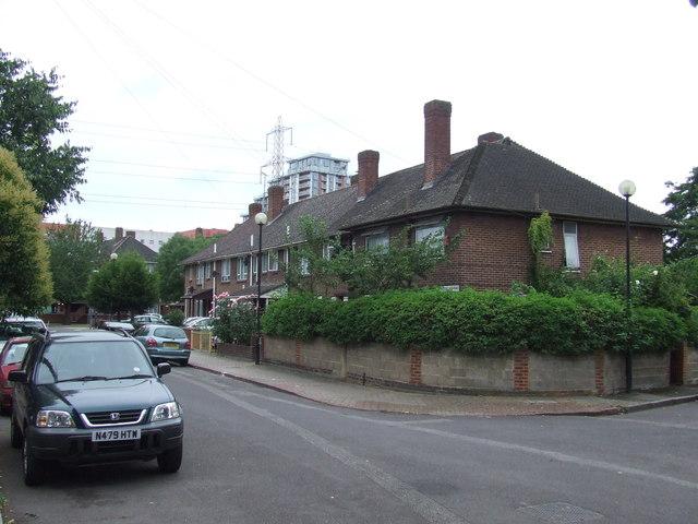 Bridgeland Road, E16