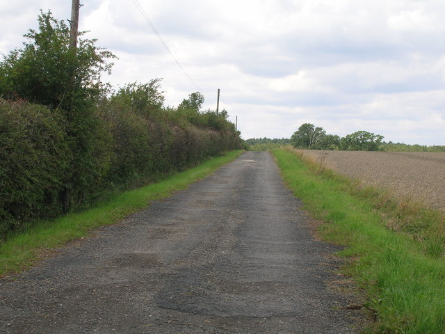 Track to Chequer Hall
