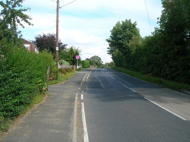 Wheldrake Lane heading east at Crockey Hill