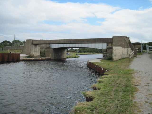 Heck  Bridge  over  Aire  and  Calder  Canal