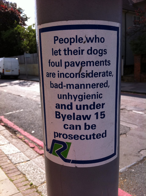 Dog fouling notice on Burlington Avenue, Kew