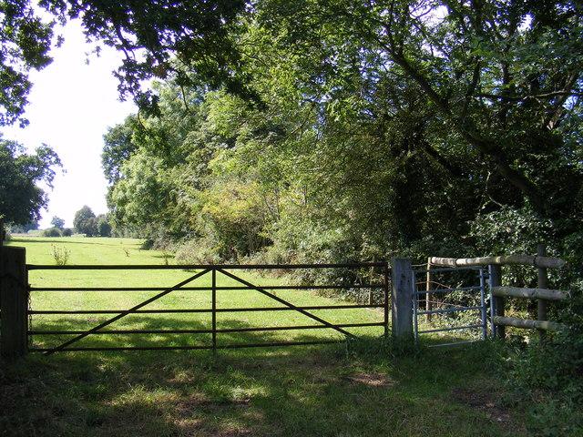 Footpath to Clopton Road