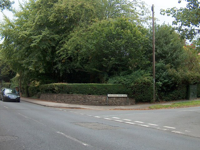 Road junction on Abbeydale Road South