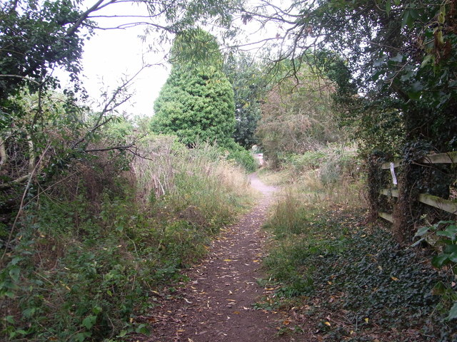 Path from Broom above River Arrow