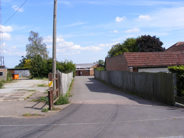 Footpath to Woodbridge Road & Entrance to Grundisburgh Recreation Ground