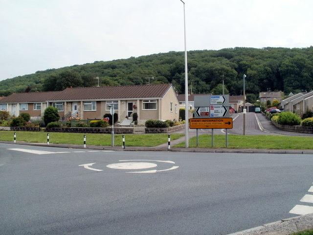 Mini-roundabout and bungalows, Broadway, Weston-super-Mare