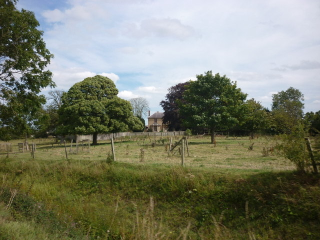 Millingdale Farm from Out Gates (road)