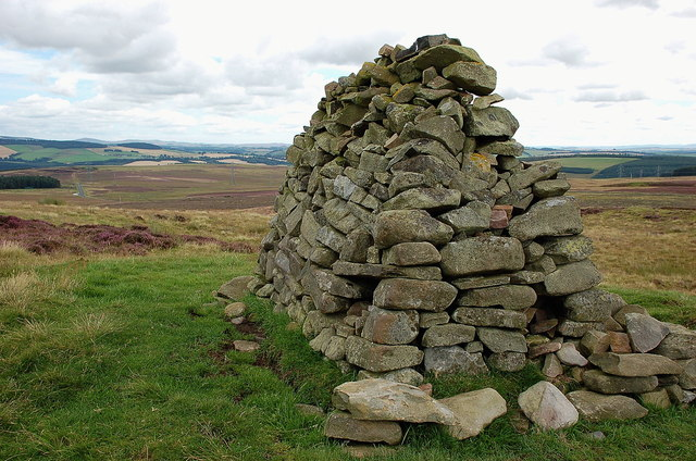 Old cairn on Lauder Common