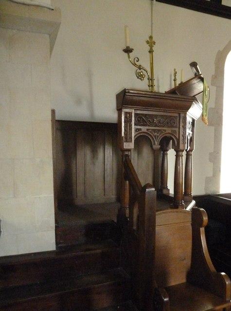St Mary Mapledurwell: pulpit