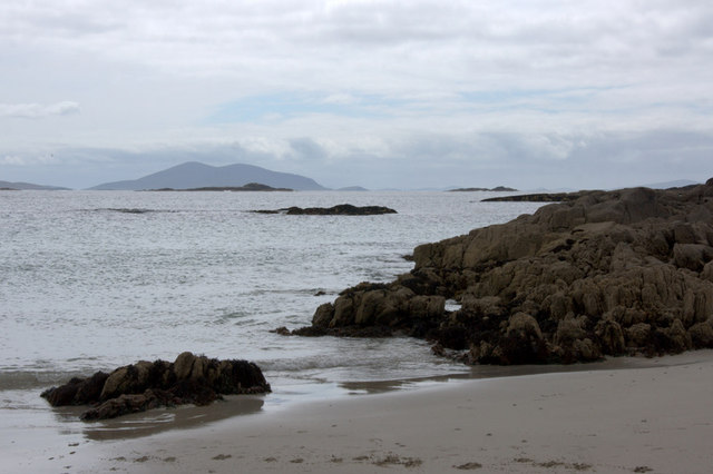 Rocks at the west end of Traigh Hushinish