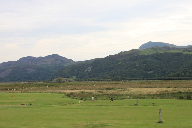 Fairbourne golf course from the seafront