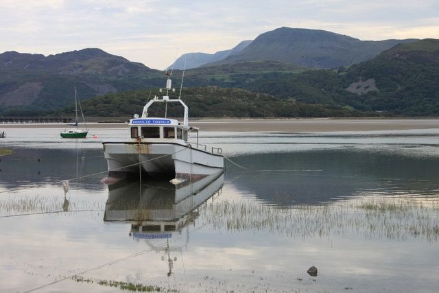 Barmouth Viking II moored by Fairbourne spit