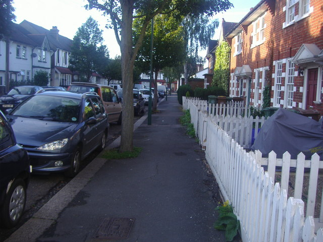 Cowper Avenue, Sutton