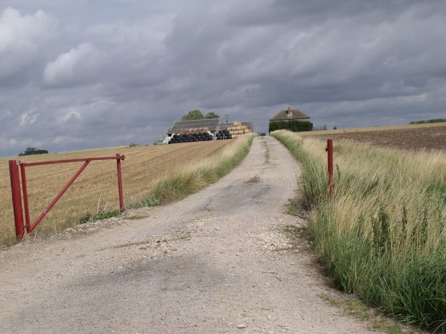 Track to Priory Hill Cottages and Farm