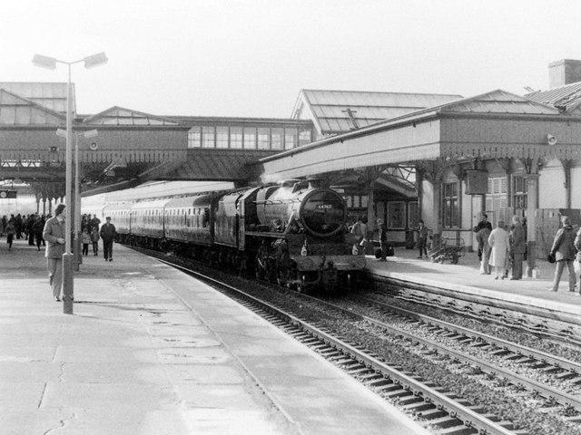 Stanier 'Black Five' at Stirling Station, 1985